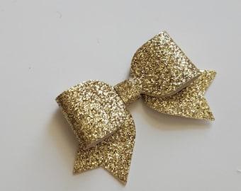 gold hair bow.MINI hair bow.gold glitter hair bow.gold baby headband.gold baby hair clip. infant headband. newborn headband. glitter bow
