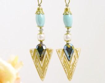 Asymmetric earrings/beautiful/elegant/gold triangle/dangly/ clay earrings.JE20-75