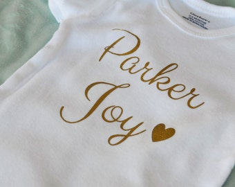 Personalized bodysuit outfit- custom bodysuit- name gift- baby girl bodysuit- baby boy bodysuit- going home outfit- baby shower- newborn xz