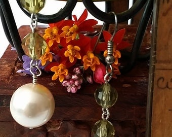 Luster Pearl Earrings