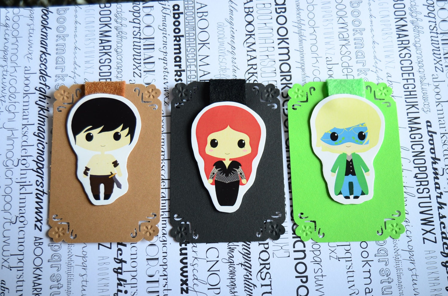 Resultado de imagen de a court of thorns and roses bookmarks
