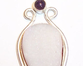 Silver white Drusy druzy pendant. Large white pear drusy druzy pendant. Drusy druzy and cabashon amethyst silver pendant. Healing gemstone.
