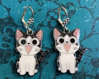Tabby cat dangle earrings. Large Japanese cat earrings. Animal lover jewelry. Cute cat earring. Cat lover earrings. Pet earring. Cat jewelry