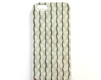Black Pinstripes iPhone 5 case