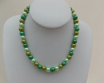 Mixed Green Pearl Necklace