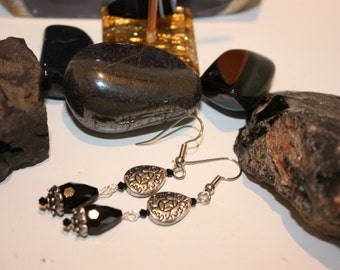 faceted onyx earrings with a dangle