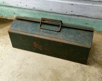 Vintage Tool Box; Pioneer Steel Co Green Metal Cantilever Tool Box; Metal Tool Box; Rustic Tool Box; Vintage Toolbox