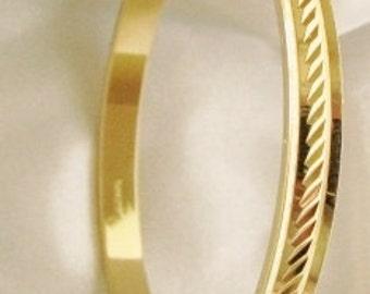 """Bangle Bracelet 7-1/2"""" Trifari?"""