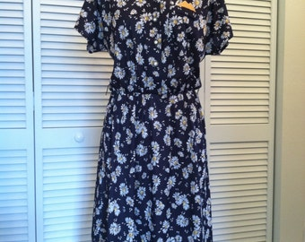 Vintage Mod Black, White, & Yellow Polyester Daisy Dress