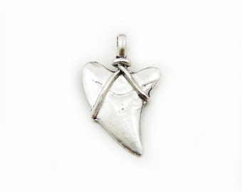 Large Heart Pendant, Heart Pendant, Craft Supplies, Metal Pendant, Antique Silver Pendant, Jewelry Making, Large Heart