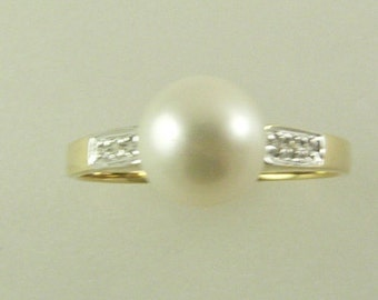 Freshwater 7.4 MM White Pearl Ring 14k Yellow Gold with Diamonds 0.03ct