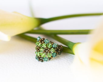 green Swarovski ring – green Swarovski crystal ring - flower ring – green crystals - beaded ring - beadwork - metal free ring