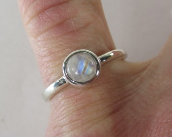 Vintage Sterling Silver Moonstone Cabochon Ring Size 8