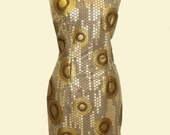 besticktes Kleid mit Neckholder in Gold/Brauntönen