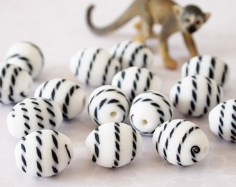 4 Frosted Lampwork Large Oval Beads Patterned Black and White Size 18 x 14mm