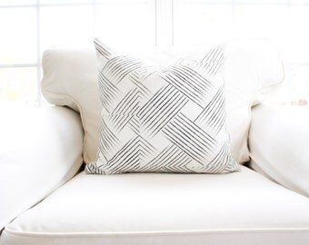 Sable Woven Pillow Cover | Black | Weave Pattern | 18x18