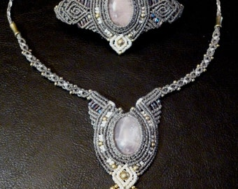 Macramé necklace with Rose quartz