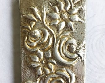 Artsy Iphone 4 mobile case cover-embossed tin-flowers-