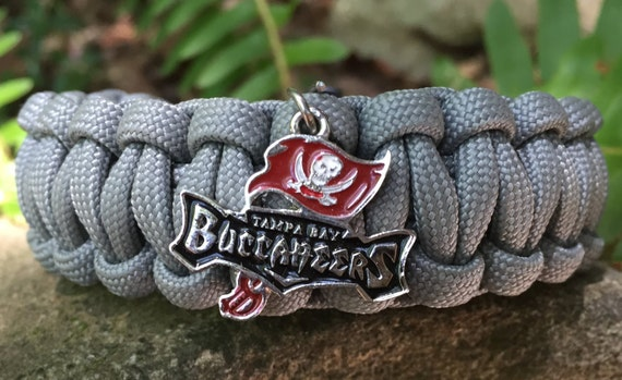 Tampa Bay Buccaneers Paracord Bracelet, with a Bucs logo charm