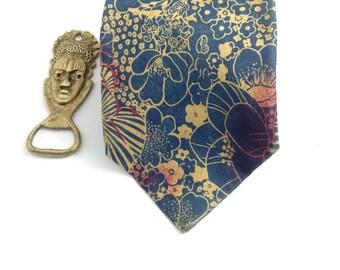 Vintage Floral Necktie, HYDE PARK Tie, Made in Canada, 100% Silk, Radiant!!!