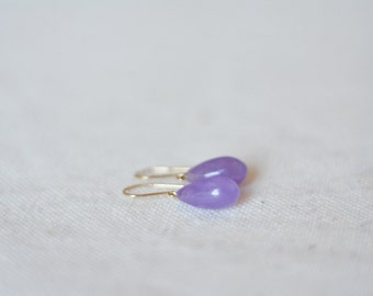 WAS 74 USD 10k solid gold vintage amethyst bright purple/ violet/ lavender earring