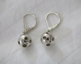 Sterling Silver Leverback Pickleball Earrings (Pbe38)