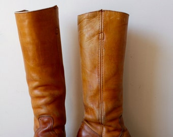 VINTAGE FRYE campus boots!
