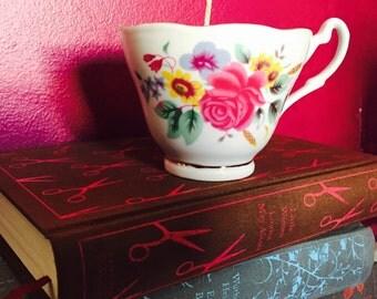 Alice in Wonderland Treasure Candle