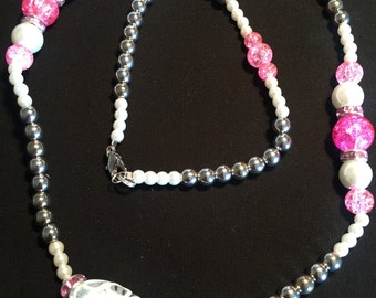 White/Pink/Silver Beaded Necklace / Item # 304