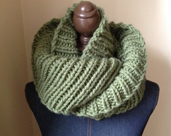Vegan Knit Infinity Scarf // Knitted Scarf // Circle Scarf // Bulky Infinity Scarf // Cowl // Women's Knit Scarf // The Softee