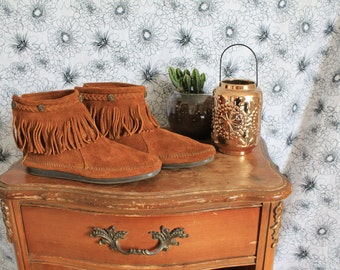 Minnetonkas boots