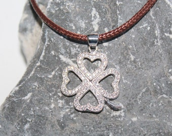 four-leaf clover necklace, four-leaf clover