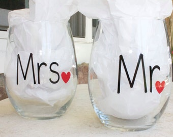 Mr.and Mrs.wine glasses- Engagement wine glasses-Gift for a couple-Wedding wine glasses-stemless wine glasses-Anniversary wine glasses-