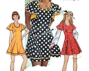 1970s Vintage Sewing Pattern - Simplicity 5466 - Fitted Dress Flutter Sleeves