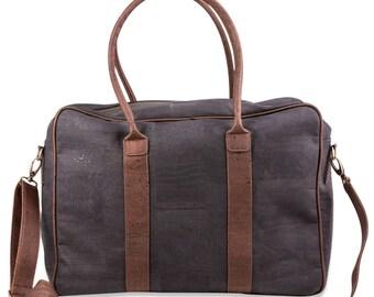 Travel bag made of cork