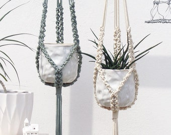 macrame plant holder etsy fr. Black Bedroom Furniture Sets. Home Design Ideas