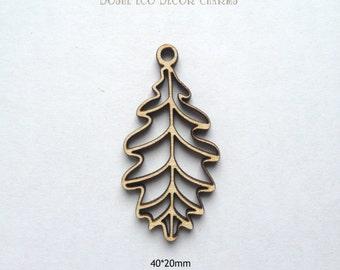 Airy Laser cut wood OAK Leaves Pendants / Wood pendants / Wood jewelry / Oak leaf / Wood Charms / Laser cut jewelry / Wood shapes /Laser cut