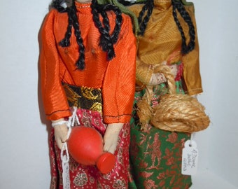 Dolls of the world: women in traditional Arab costume 1950