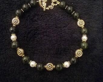 Dark Green Serpentine Stone Bracelet with Freshwater Pearls
