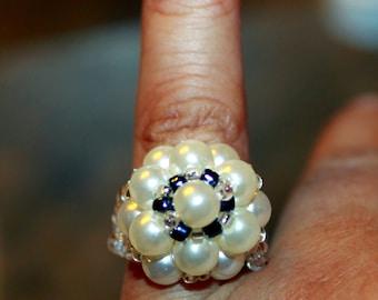 Pearl beaded ring in white & black; beadweaving