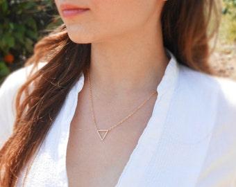 Dainty Gold Triangle Geometric Necklace, 18K Gold Plate, Trendy Necklace, Minimalistic Jewelry, Handmade Necklace, Delicate Fashion Jewlery