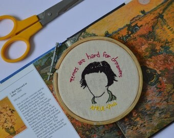 "6"" Amelie Embroidery Hoop decor"