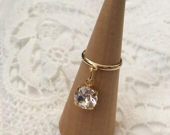 Swarovski swing  pinky ring