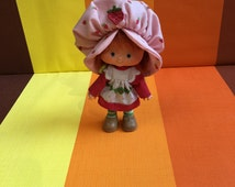 Vintage Strawberry Shortcake doll, Strawberry smelling doll, Kenner, 1979-1985, American Greetings, made in Hong Kong