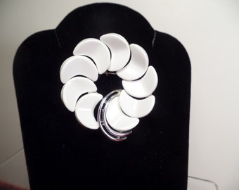 1950's White Thermo-plastic Brooch Signed Lisner