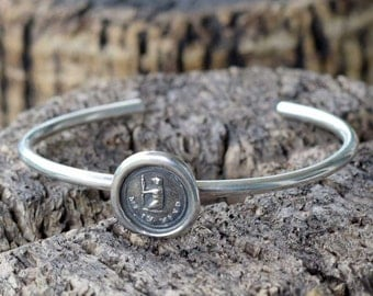 Silver Bear Bracelet- Silver bear jewelry featuring a tiny silver bear - Bear me in mind - 263