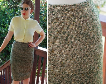 """OLIVE 1950's 60's Vintage Light Olive + Green Thick Nubby Wool Tweed Pencil Skirt // size Small W 26"""""""