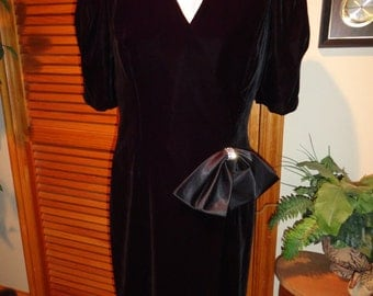 Short Sleeve Black Velvet Like Party Cocktail or Holiday Dress Extra Large Size 13/14