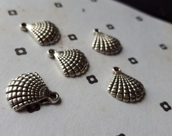 Antiqued Silver Shell Nautical Charms (5)
