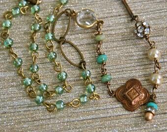 Green and aqua,pearl and rhinestone beaded necklace. Tiedupmemories